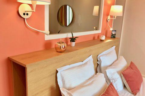 Hôtel Outre-Mer (Villa Le Couchant) - Coussins chambre deluxe Soleil couchant à Villers