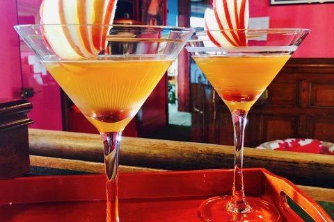 """Cocktails normands au bar lounge """"Le Couchant"""" de l'Hôtel Outre-Mer (Villa le couchant)"""
