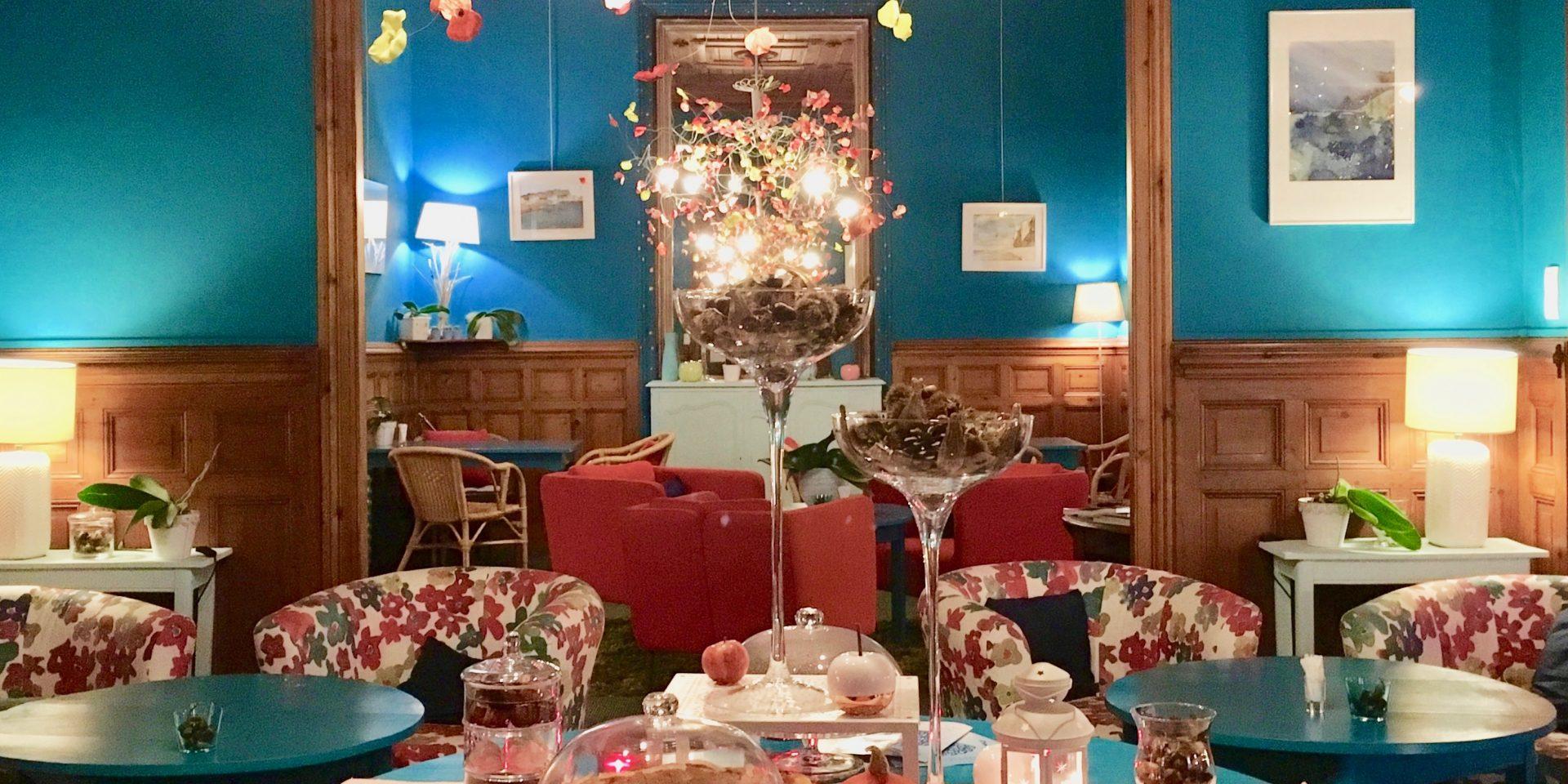 Tea time au salon de thé de l'Hôtel Outre-Mer (Villa Le Couchant)