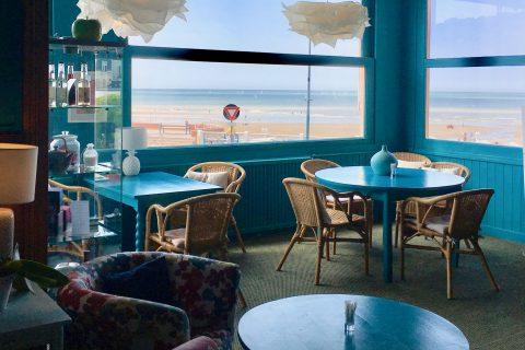 Salon de thé vue sur mer de l'Hôtel Outre-Mer (Villa Le couchant)