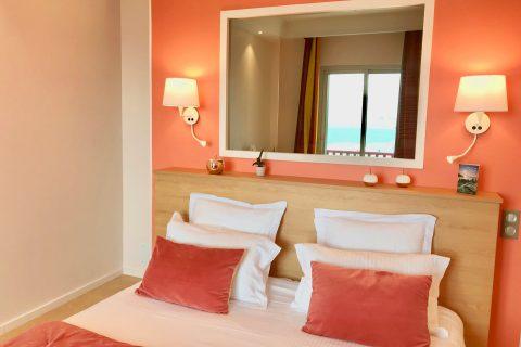 Hôtel Outre-Mer (Villa Le Couchant) - Lit chambre deluxe Soleil couchant à Villers