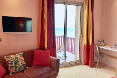 Hôtel Outre-Mer (Villa Le Couchant) - Salon chambre deluxe Soleil couchant à Villers