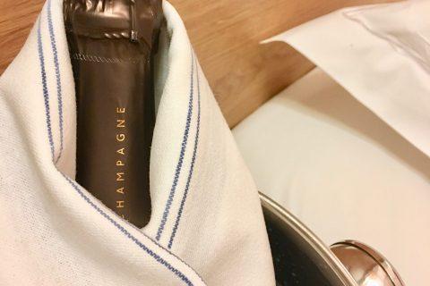 Room service : Champagne à déguster en chambre
