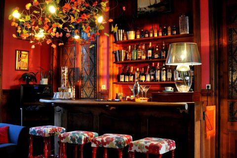 """Bar lounge """"Le Couchant"""" de l'Hôtel Outre-Mer (Villa Le couchant)"""