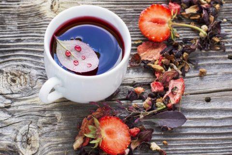 Boissons chaudes pour le goûter: thés parfumés ou nature et infusions
