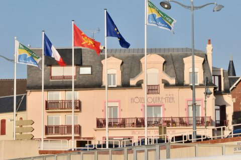 Clientèle d'affaires à l'Hôtel Outre-Mer (Villa Le Couchant)
